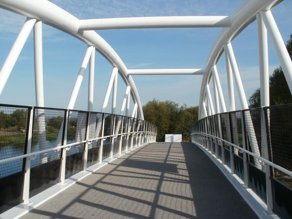 Longhorse footbridge 3