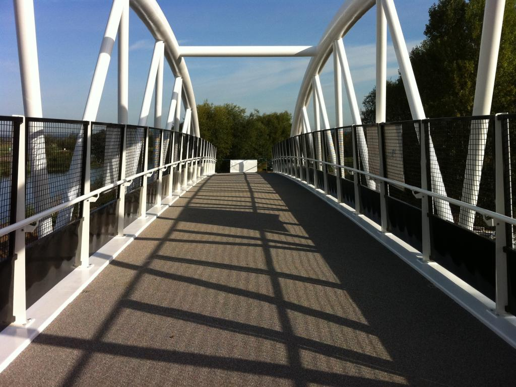 Longhorse footbridge 4